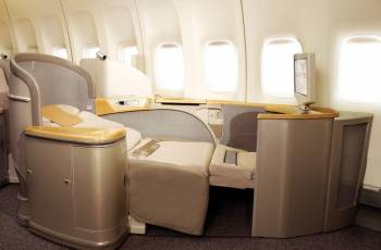 Asiana Airlines: First Class Sitz in der B747